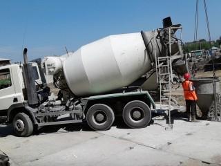 Особенности доставки бетона на объекты