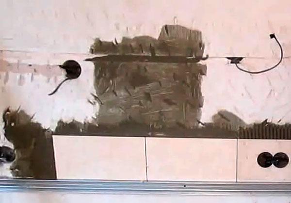 Укладка плитки на фартуке