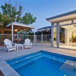 Как оформить пространство вокруг бассейна на даче - Ремонт