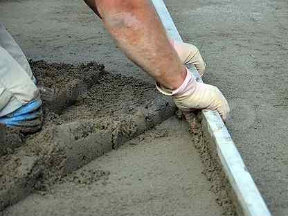 Стяжка пола из цементно-песчаной смеси